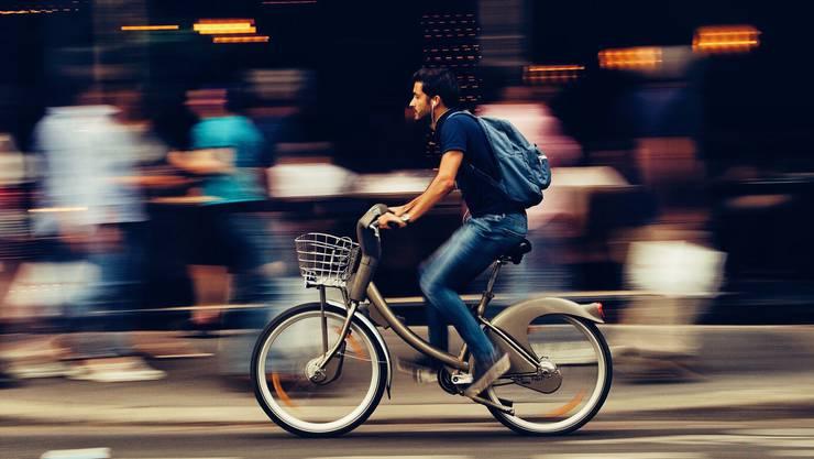 Energiebewusst: Velo fahren hält fit im Alltag und macht Spass