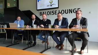 Der EHC Olten zieht Bilanz nach dem enttäuschenden Viertelfinal-Out: CEO Patrick Reber, Präsident Marc Thommen, Trainer Fredrik Söderström, Sportchef Marc Grieder und Medienchef Stephan Felder