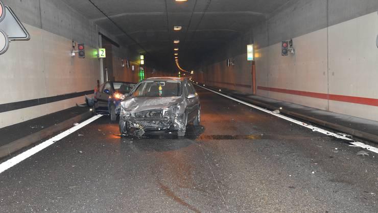 Im Lüsslingen-Tunnel hatte am frühen Mittwochmorgen ein Automobilist eine Fahrzeugpanne und stoppte sein Fahrzeug.