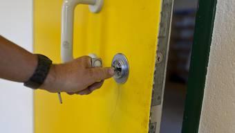"""Die Stadtpolizei empfiehlt, den Hausschlüssel beim """"Nachbarn des Vertrauens"""" zu deponieren und nicht in vermeintlich guten Verstecken. (Symbolbild)"""