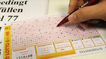 Nur 2,50 Euro hat die Gewinnerin aus Waldshut-Tiengen eingesetzt für ihren Millionengewinn. (Symbolbild)