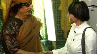 Calmy-Rey traf bei ihrer Rettungsaktion mit Libyens Machthaber Gaddafi zusammen
