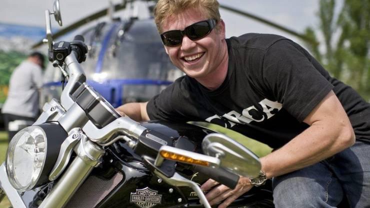 Stuntman Urs Inauen - hier bei Filmaufnahmen 2011 in Deutschland - steht das grösste Abenteuer noch bevor: Seit einer Woche ist er Vater. (Archivbild)