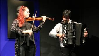 Akkordeonist Srdjan Vukasinovic ist der künstlerische Leiter von MelodyAarau. Seine Frau, die Violinistin Sira Eigenmann, ist auch beteiligt.HEINZ KURSAAL
