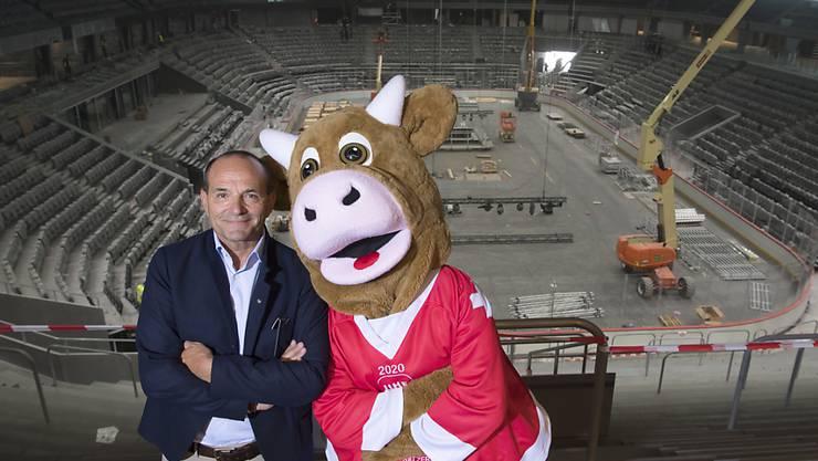 OK-Chef Gian Gilli und Maskottchen Cooly ist das Lachen vergangen: Die Hockey-WM in der Schweiz wurde abgesagt