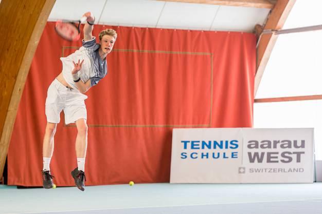 Der frisch gebackene U18 Schweizer Meister Jonas Schär wird beim Tennis Pro-Open Aargau in der Qualifikation antreten.