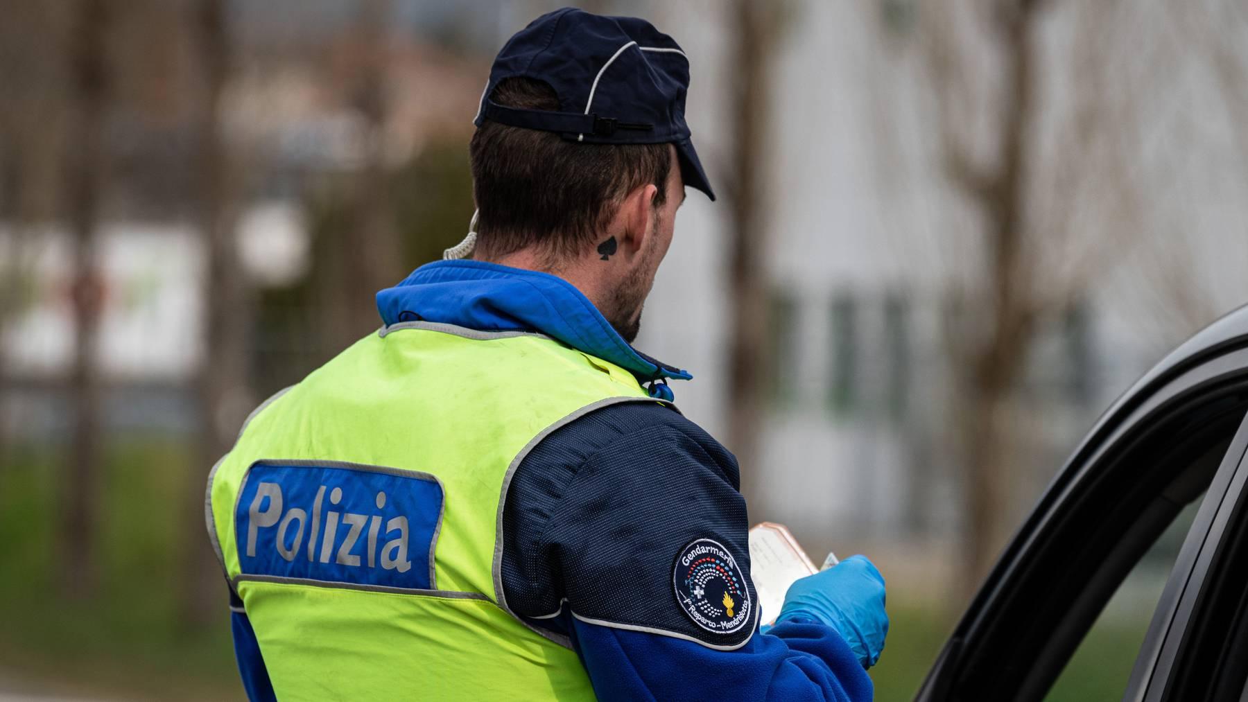 Die Kantonspolizei meldete am Samstag die Verhaftung eines 80-jährigen Priesters. (Symbolbild)