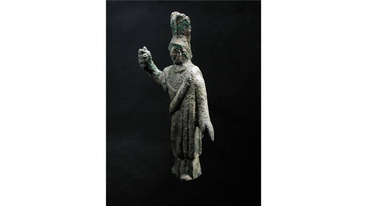 Im römischen Gutshof in Dietikon wurde die Statue der Göttin Minerva entdeckt. Sie stammt aus einem Haus, das Mitte des 3. Jahrhunderts einstürzte, und diente wohl als Hausheiligtum.