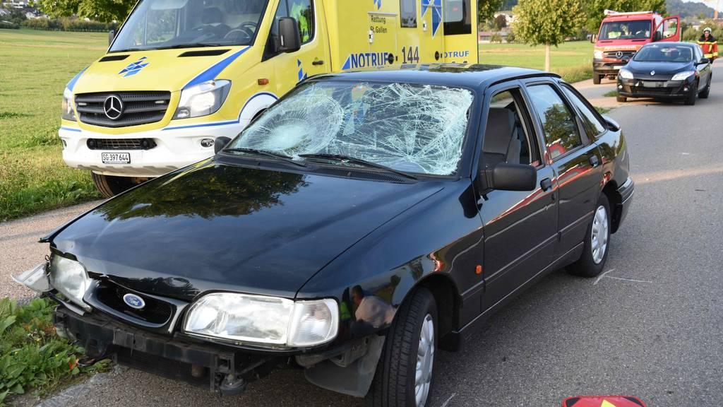 Die beiden Tandemfahrerinnen wurden unbestimmt verletzt.