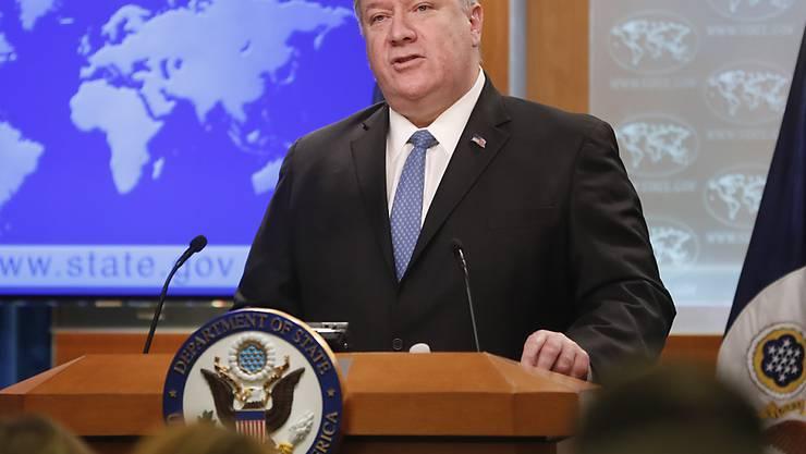 US-Aussenminister Pompeo kündigte an, US-Bürger bekämen ab dem 2. Mai die Möglichkeit, gegen ausländische Unternehmen in Kuba zu klagen, die Eigentum nutzen, das nach der Revolution 1959 enteignet wurde. Die EU und Kanada kritisierten die Ankündigung scharf und drohten mit Gegenmassnahmen.