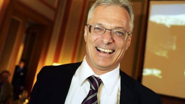 Thomas Minder freut sich über den Erfolg der Abzocker-Initiative