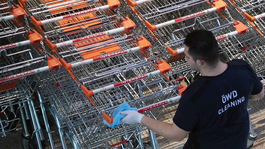 Verteilung von Mundschutz in Österreichs Supermärkten angelaufen