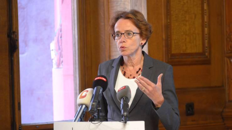Eva Herzog bei der Präsentation des Massnahmenpakets zur Unternehmenssteuerreform III im September.