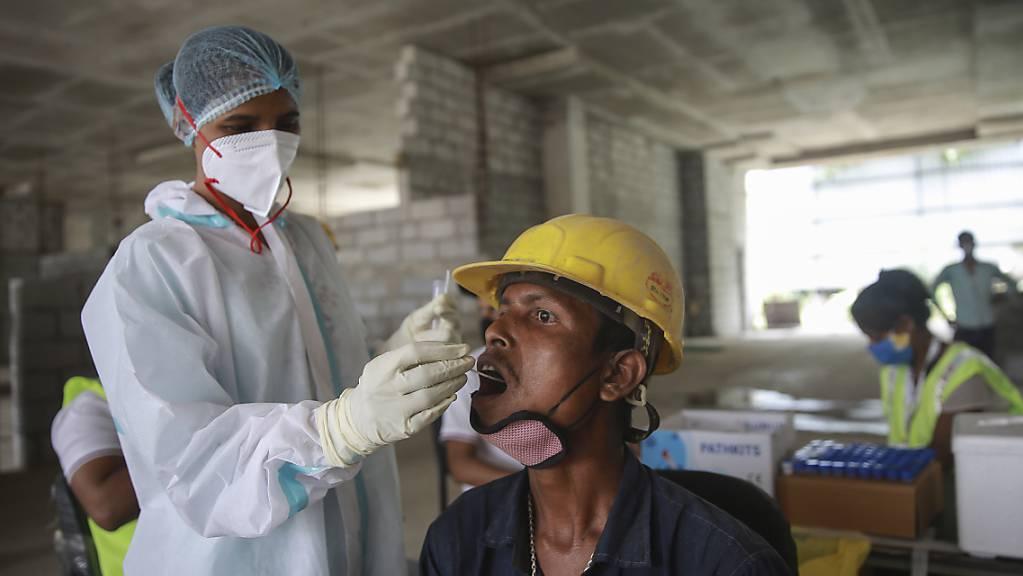 Die Delta-Variante des Coronavirus war zunächst in Indien entdeckt worden.