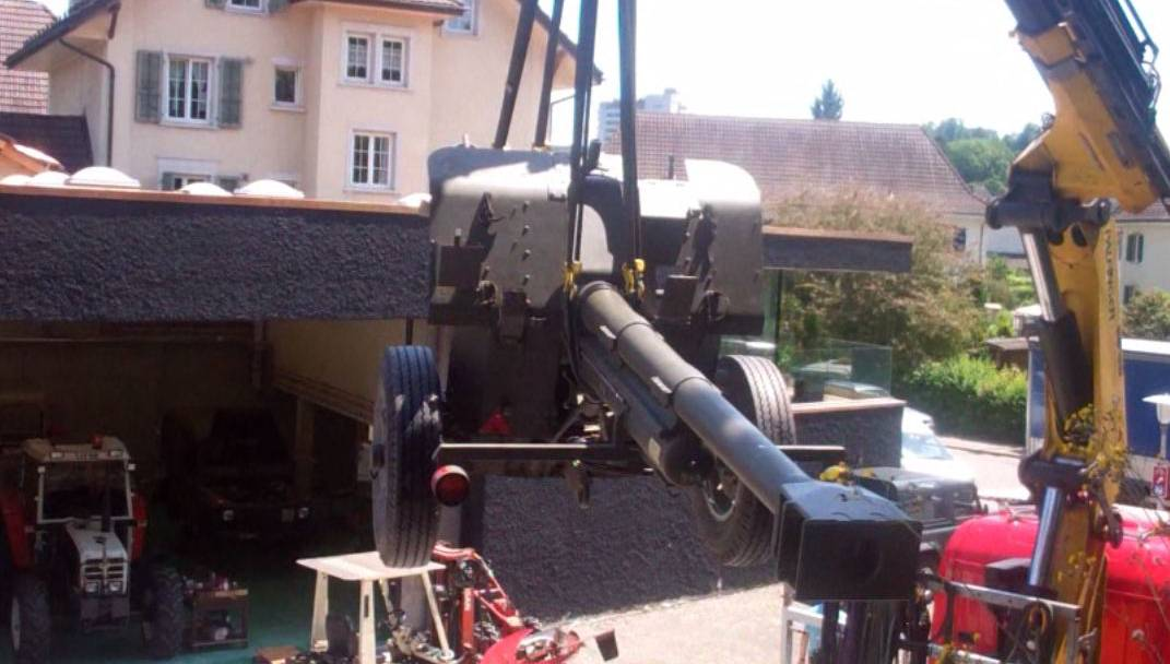 Hier werden die Geschütze von der Krummturmschanze abtransportiert