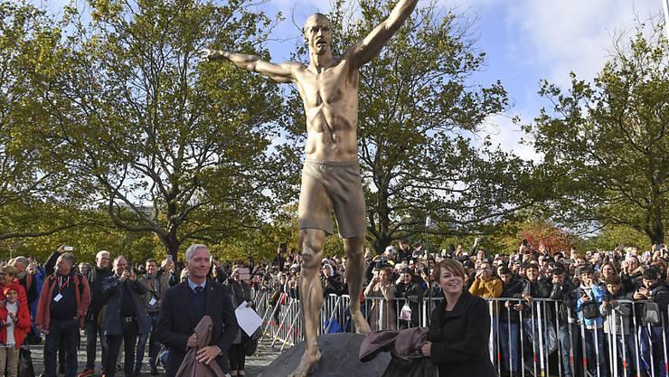Die Ibrahimovic-Statue wurde von Malmö-Fans verwüstet