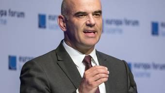 Bundesrat Alain Berset rief am Montagabend am Europa Forum in Luzern dazu auf, reformfähig zu bleiben.