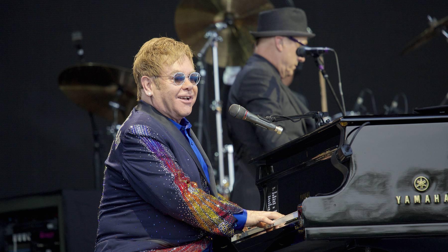 Elton John hat den Lockdown kreativ genutzt.