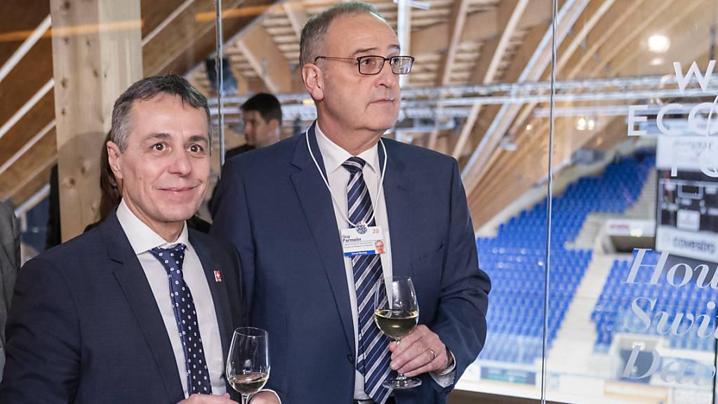 Hohes Treffen: Bundespräsident Guy Parmelin (rechts) und Aussenminister Ignazio Cassis werden sich am 16. Juni in Genf mit US-Präsident Joe Biden treffen. (Archivbild)