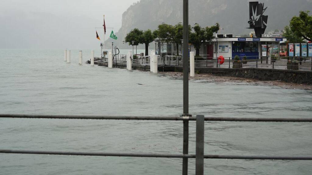 Autobahn A2 in Uri wegen Hochwassergefahr gesperrt