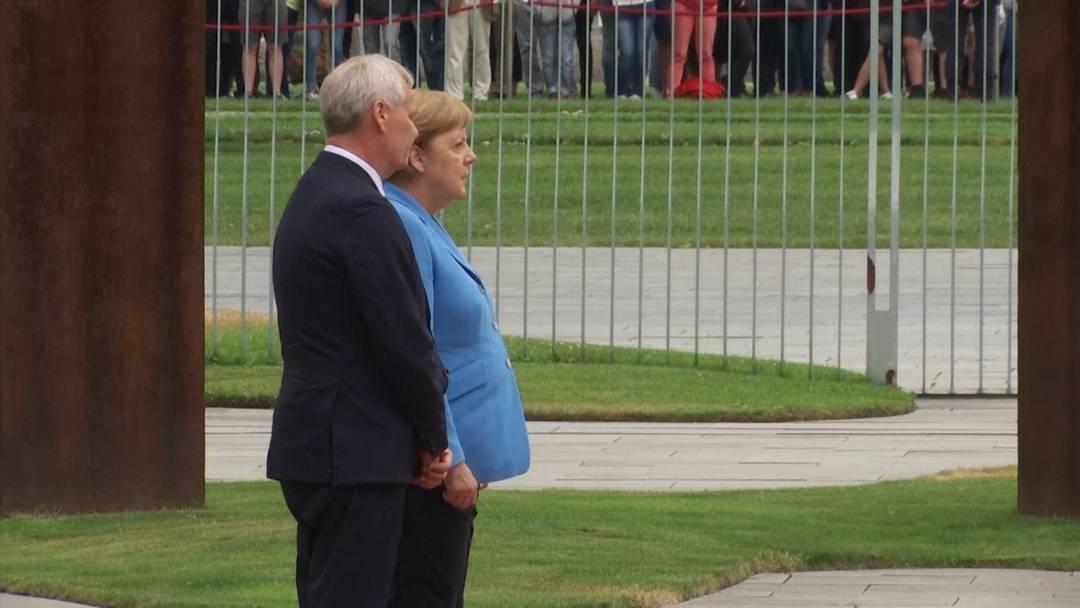 Sorge um Bundeskanzlerin Merkel - Erneuter Zitteranfall