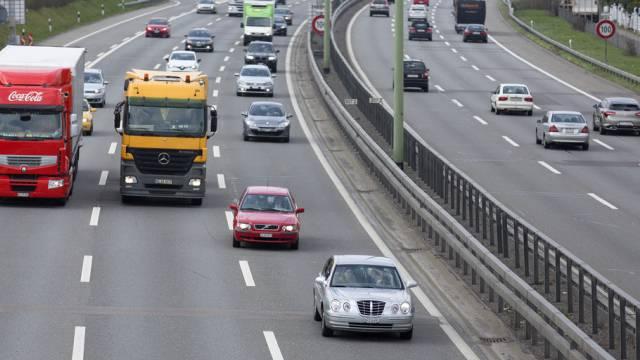Der Unterhalt von Nationalstrassen soll künftig über den Strassenfonds finanziert werden (Symbolbild)