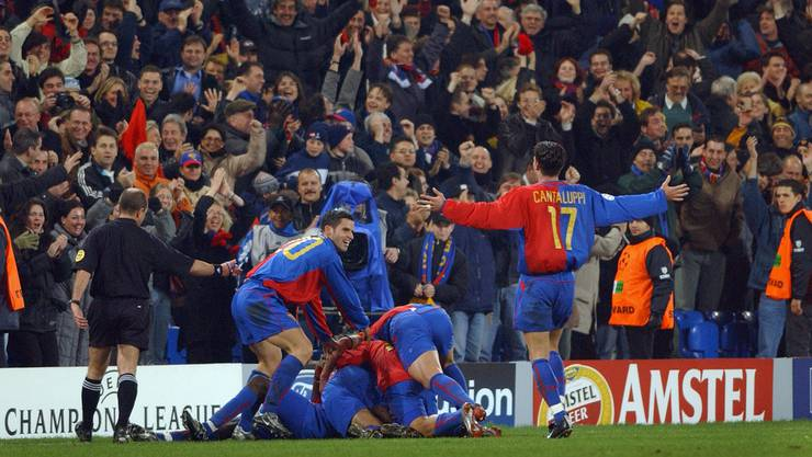 Ob die Zuschauer am Dienstagabend ähnliche Bilder wie hier nach dem Sieg gegen Liverpool 2002 zu Gesicht bekommen?