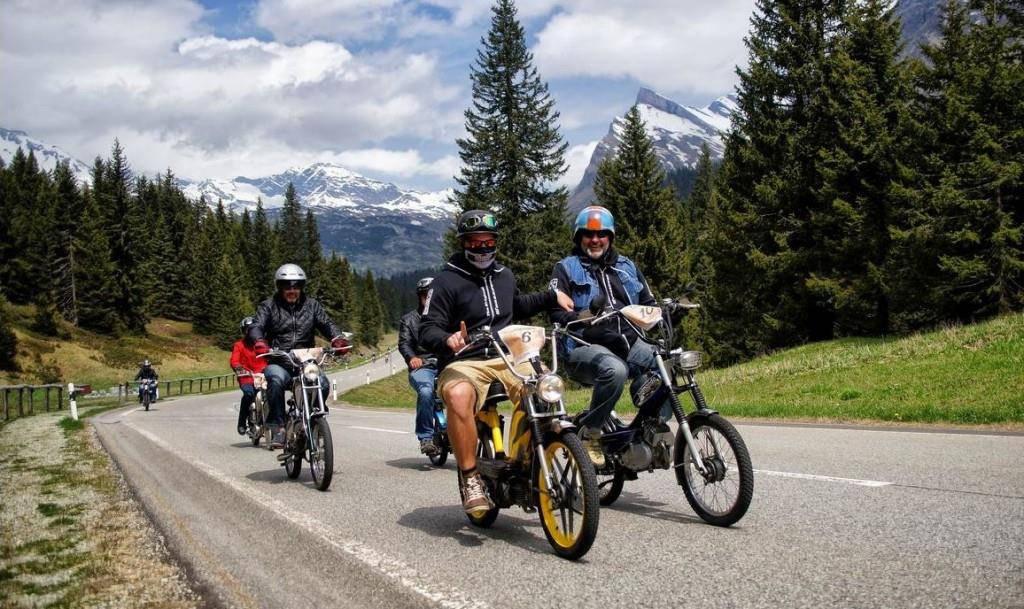 Eins bleibt: Die Töfflitour von Chur nach Ascona wird nicht eingestampft (© pd)