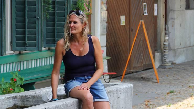 Doris Weyeneth vor dem Kulturhof.