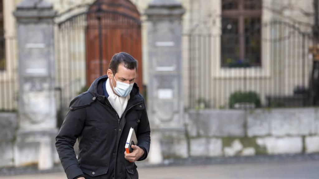 Pierre Maudet: Der Staatsanwalt beantragt eine bedingte Freiheitsstrafe von 14 Monaten für den Staatsrat. Zudem soll der 42-jährige Politiker 84'000 Franken als Entschädigung an den Staat zurückzahlen.