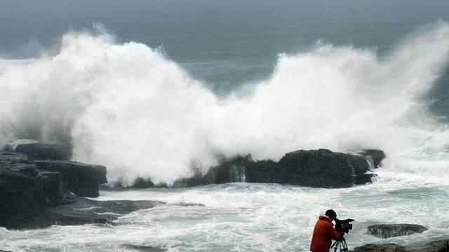 Hohe Wellen vor Shirahama