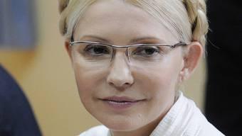 Ist des Amtsmissbrauchs angeklagt: Julia Timoschenko (Archiv)