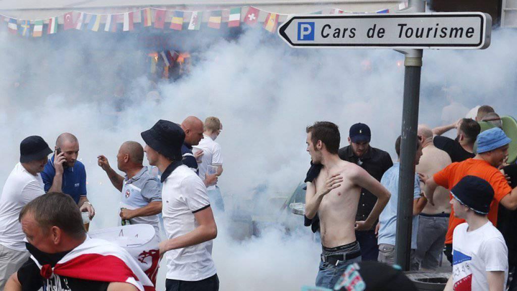 Wüste Szenen im vergangenen Sommer am Rande der EM-Endrunde in Marseille