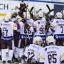 Die Spieler von Genève-Servette bejubeln den Halbfinal-Einzug