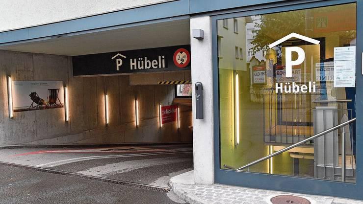 Im Parkhaus Hübeli bezahlt man für die Parkdauer von 5 Stunden und 5 Minuten 11 Franken.