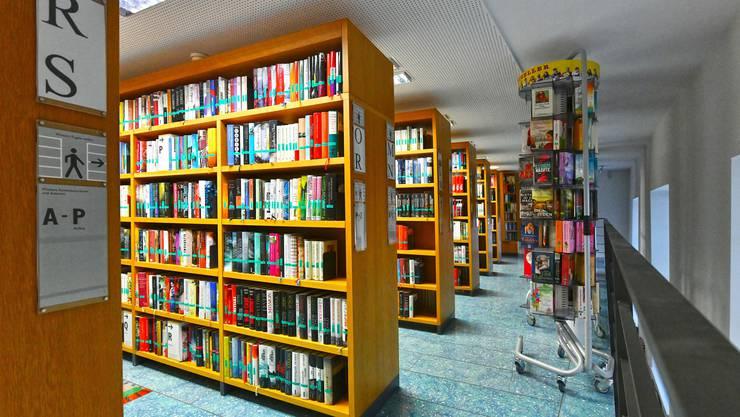 Sie glänzt mit wenig einladender Atmosphäre und düsterem Ambiente: die Stadtbibliothek Olten.