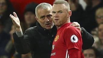 ManU-Coach José Mourinho kann noch lange auf Wayne Rooney zählen