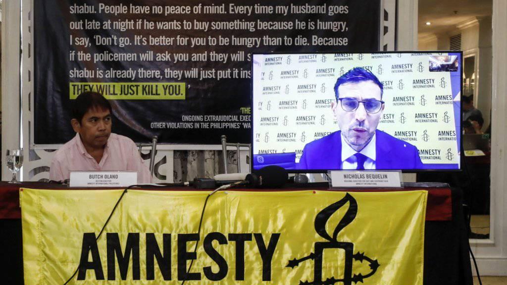 """Amnesty International stellt einen neuen Bericht zu den Philippinen vor: Die Zahl der aussergerichtlichen Tötungen hat demnach ein """"erschreckendes Ausmass"""" angenommen."""