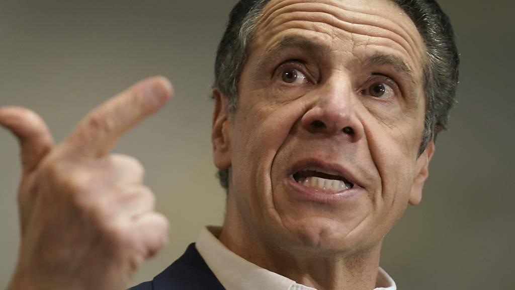 Weitere Frau beklagt sich über New Yorks Gouverneur Cuomo