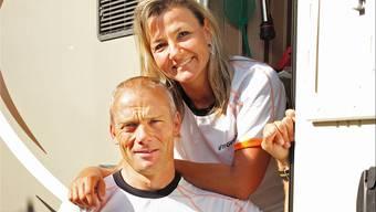 «Ja, ich will!» Sandra Vögelin und Karl Martin beschreiten nicht nur den Weg am Gigathlon gemeinsam. Kenneth Nars