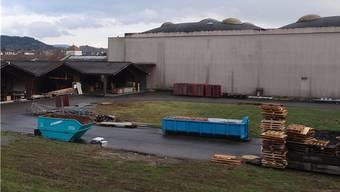 Das Areal der Novoplast AG in Wallbach soll nach Ansicht der Interessengemeinschaft pro Wallbach keine Wohnzone werden. – Foto: chr