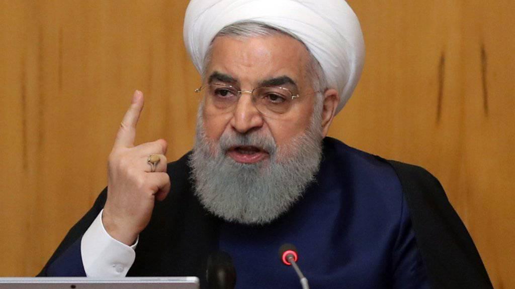 Irans Präsident Hassan Ruhani droht nach der Zuspitzung im Konflikt mit den USA mit der Wiederaufnahme einer höheren Urananreicherung.