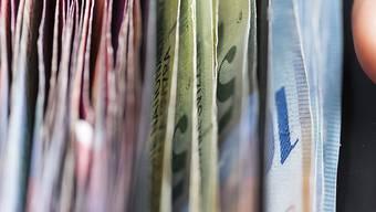 Die betroffenen Firmen mussten zusätzlich 55 Millionen Franken in die Kassen von AHV, IV und Erwerbsersatzordnung (EO) abliefern. (Themenbild)