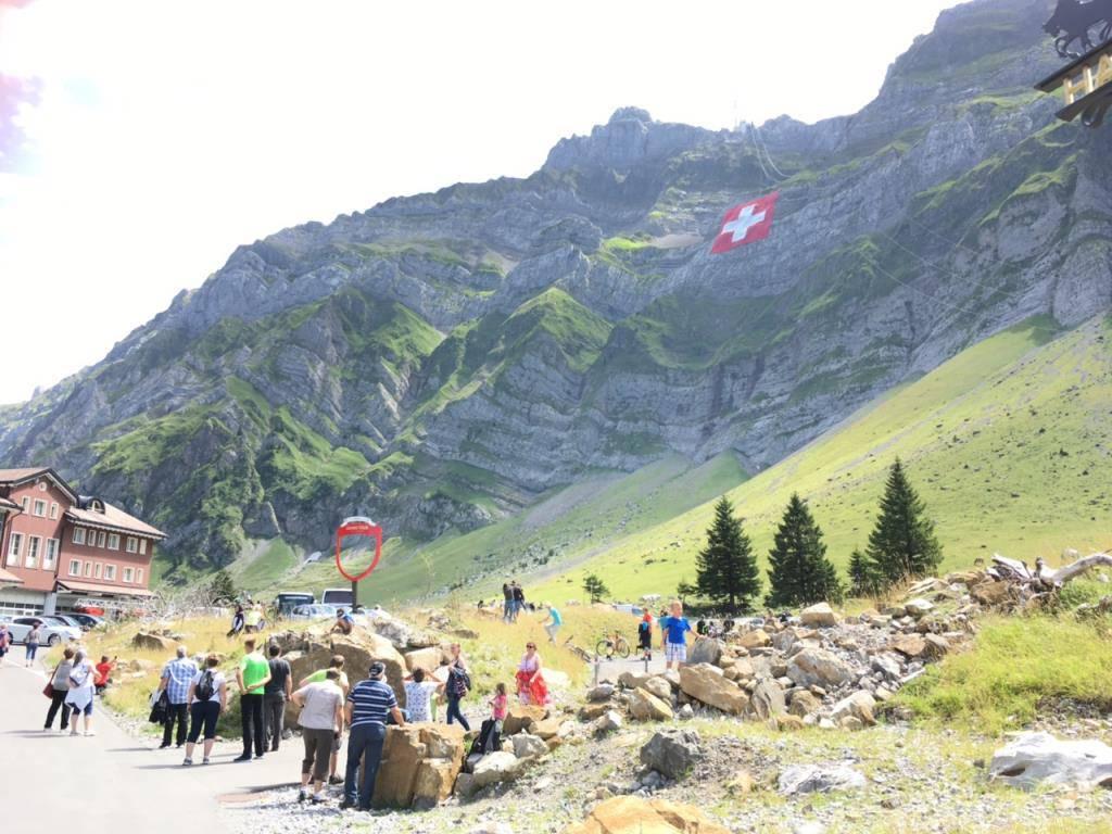 Schweizerfahne erneut gerissen (© TVO/Luana Wüstiner)