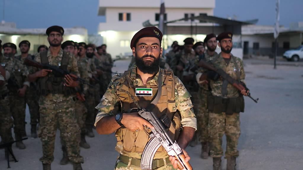 Kämpfer der mit der Türkei verbündeten Syrischen Nationalarmee.