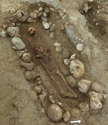 Das Grab eines Mannes, wahrscheinlich zu seiner Zeit ein Würdenträger.