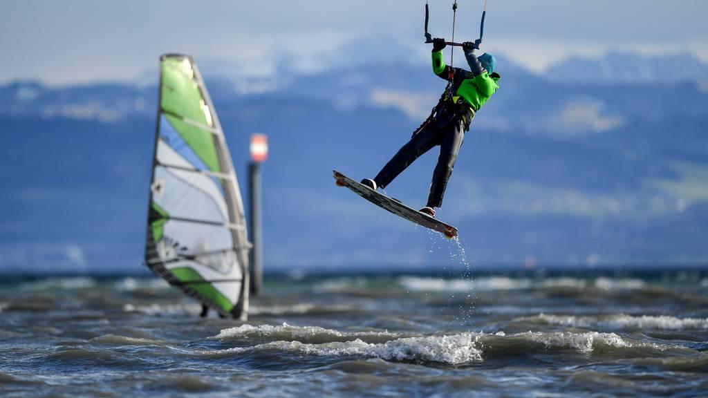 Vermisster Surfer treibt auf dem Bodensee
