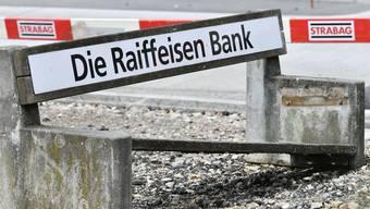 Klare Schieflage: Auch die Raiffeisenbank hatten ihren Vinzenz-Skandal.