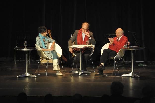 """Heimatabend im Foyer Theater Basel zum Thema ,,Heimat auf Reisen-Menschen mit mehreren Heimaten"""" im 2012: Buddy Elias ist ganz rechts."""