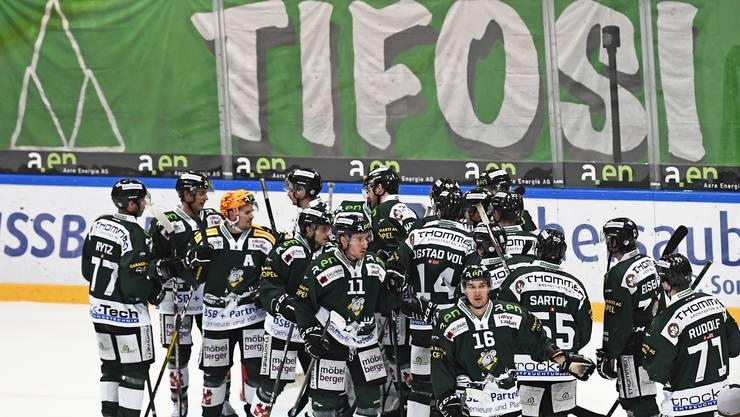 Grosse Freude nach dem Spiel: Olten feiert den vierten Liga-Erfolg in Serie.